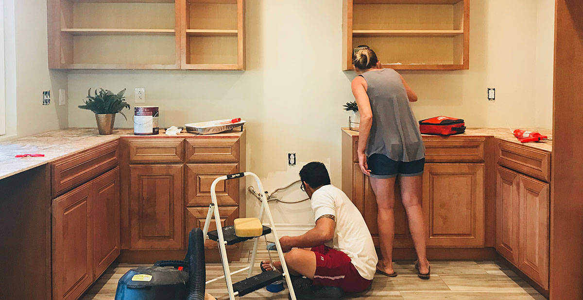 woman organizing for home renovation